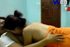 Putinha estudante trepando no video de sexo