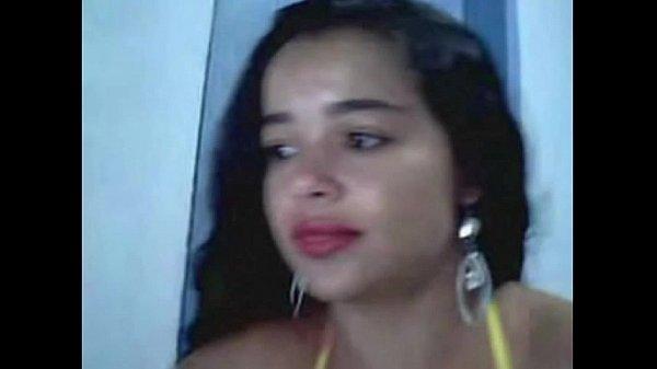 Mulher ninfeta casada bucetuda na webcam mostrando