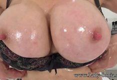 Morenas quentes dos peitos grandes red tube