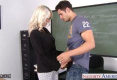 Professora gostosa fazendo sexo com aluno