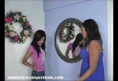 Filha chupando na presença da mãe pornotubee