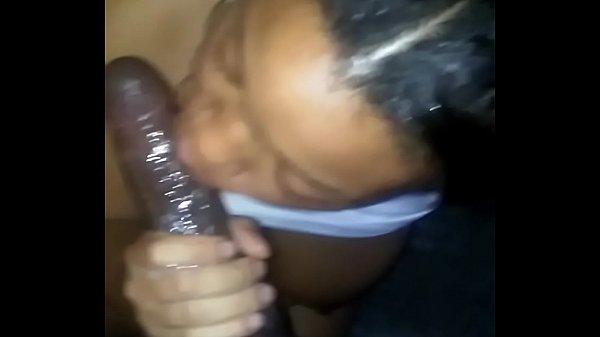Boquete caseiro de mamada da negra amadora