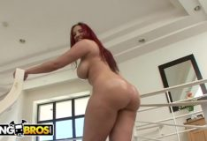 Yespornplease – Kelly Divine Got An Ass
